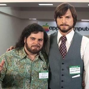 primeiras-cenas-em-que-ashton-kutcher-caracterizado-como-steve-jobs-aparece-com-steve-wozniak-interpretado-por-josh-gad-1358449584412_300x300